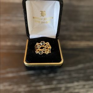 Stella and Dot gold and crystal ring ❤️💎
